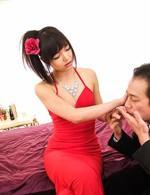 真紅のセクシードレスの篠めぐみちゃんが、顔騎プレイで喘ぎまくる。マッパで生挿入。デカ尻を見せ付けて騎乗位でイキまくり。
