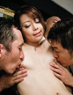 Asian 69 Cum - Japanese babe Maki Hojo attacked by guys fingering her pussy