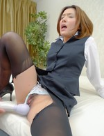 Japanese Av Mini Skirt Videos - Emi Orihara Asian lays with pussy pouring sperm after frigging