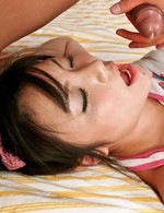 極上ロリータ美少女加藤はるなちゃんを指マン責めで一気に潮吹き。焼き鳥ファックでイキまくり、フィニッシュは中出し!