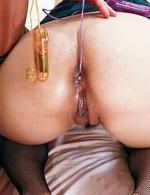 ムチムチボディの現役ソープ嬢酒井レイナちゃん。オッパイを舐めあげられると、乳輪が肥大化してくるスケベな娘。